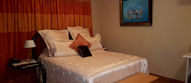 Jeannelies Guesthouse & Venue  - Brits accommodation - North West